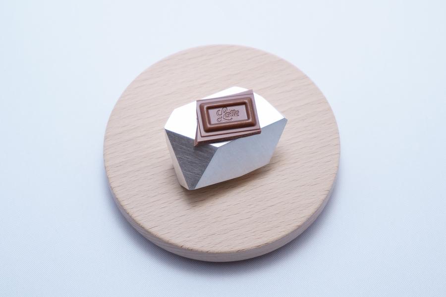 チョコレートの台座